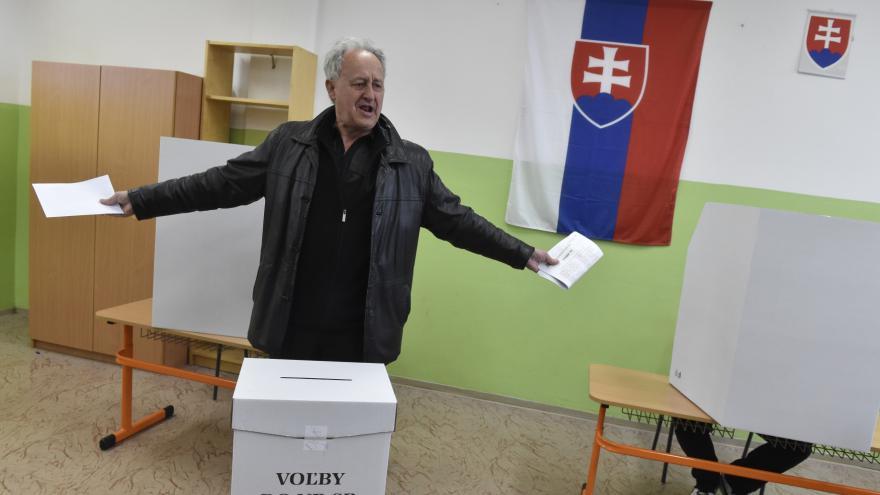 Video Tom Nicholson: Značná část voličů nevolila zavedené strany