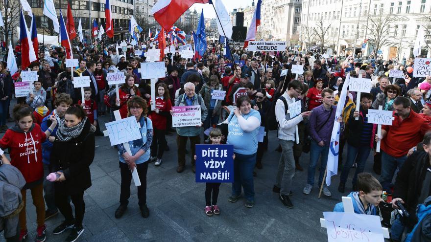 Video BEZ KOMENTÁŘE: Prahou prošel Národní pochod pro život