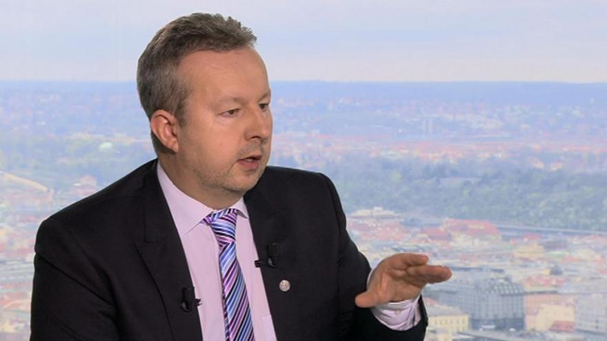 Video Ministr Brabec: Úložiště silou tlačit nechceme