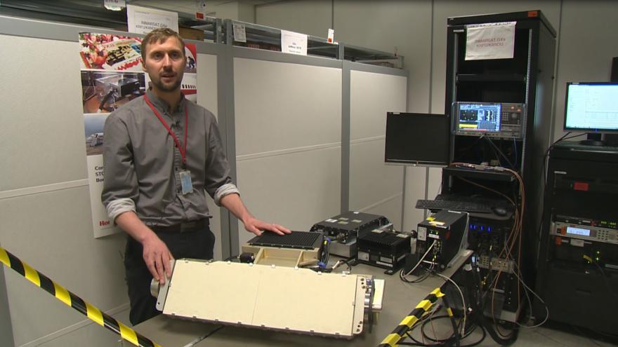 Video Jiří Nykodým popisuje funkci antény, která je základním komponentem systému
