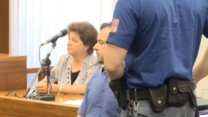 Video Petr Kramný u soudu