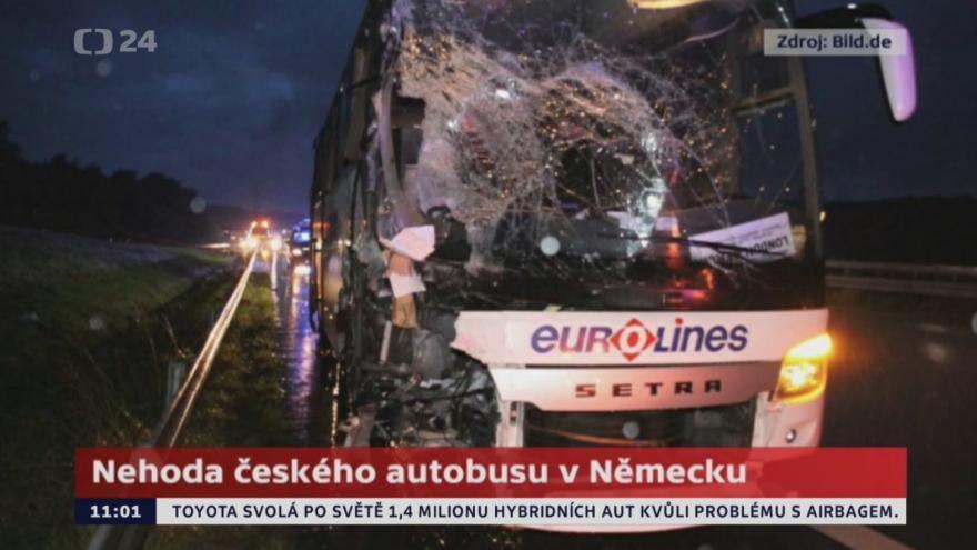 Video Nehoda českého autobusu v Německu si vyžádala 11 zraněných