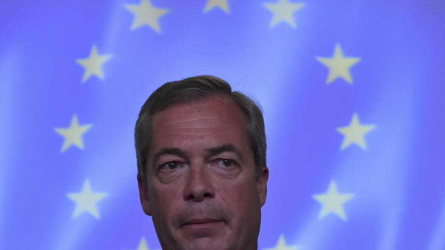 Video Události: Farage končí jako předseda strany UKIP