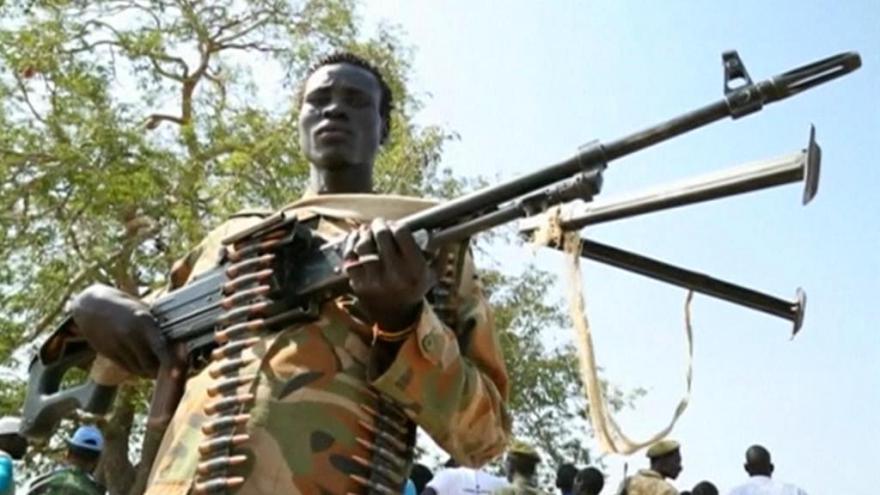 Video V Jižním Súdánu eskalují boje