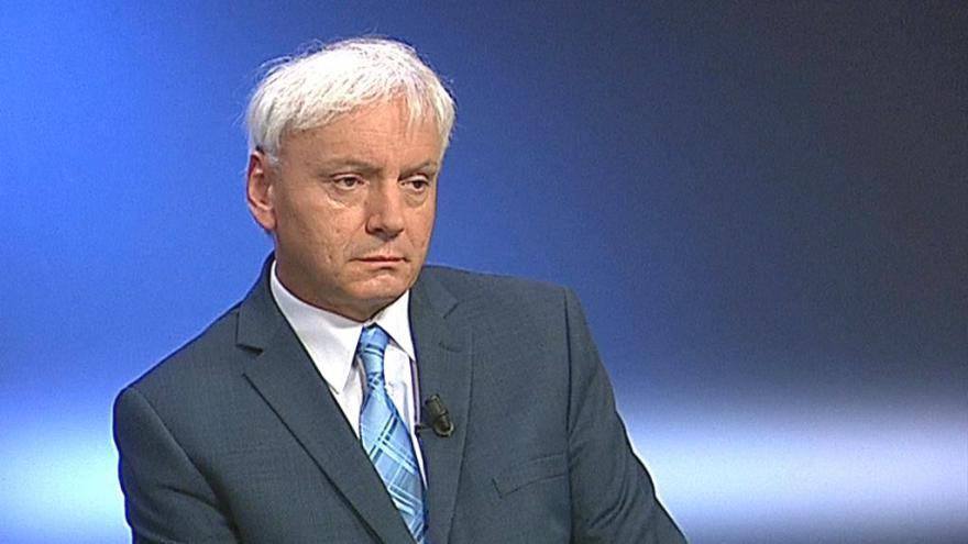 Video 90' ČT24 - Premiér navrhl odvolat ministra Jana Mládka