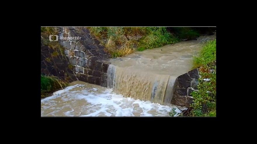 Video iReportér: Po bouřce se zakalila voda v potoku