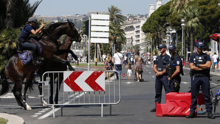 Video Rozkrývání masakru v Nice: Chladné plány i možný komplic