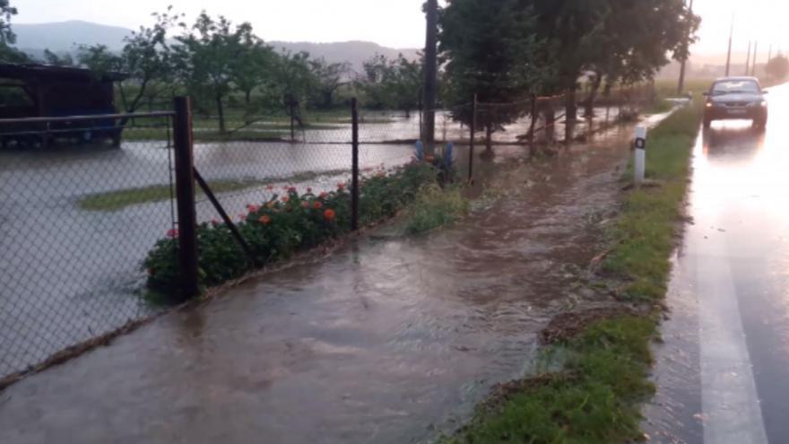Video iReportér Michal Zajonec: V Javorníku voda zatopila několik zahrad a sklepů
