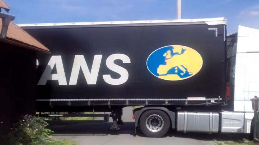 Video Uvíznutý kamion