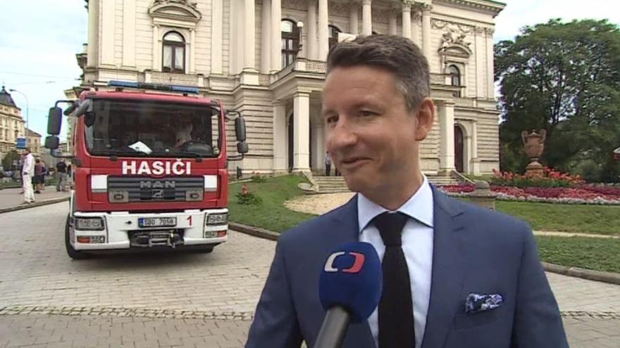 Video Ředitel divadla vysvětluje důvody požárního cvičení