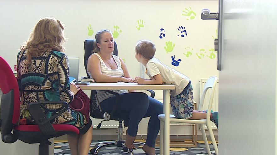 Video Pětiletý František trénuje výslovnost s logopedkou