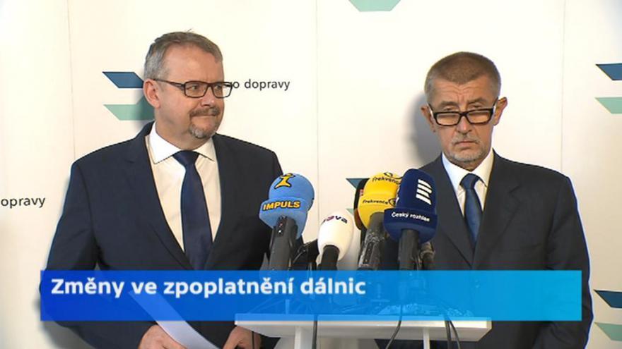 Video Zprávy: Ministerstvo vyjmulo celkem 111 kilometrů ze zpoplatněné sítě