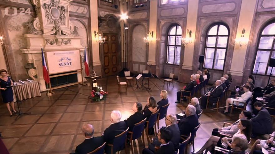Video Mimořádné pořady ČT24 - Stříbrné medaile Senátu PČR