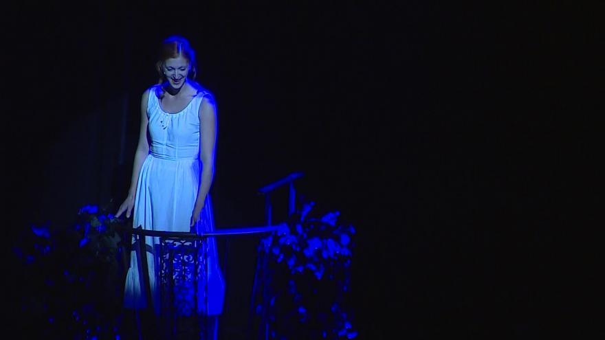 Video Slavnostní večer připomněl Shakespearovy sonety i hry