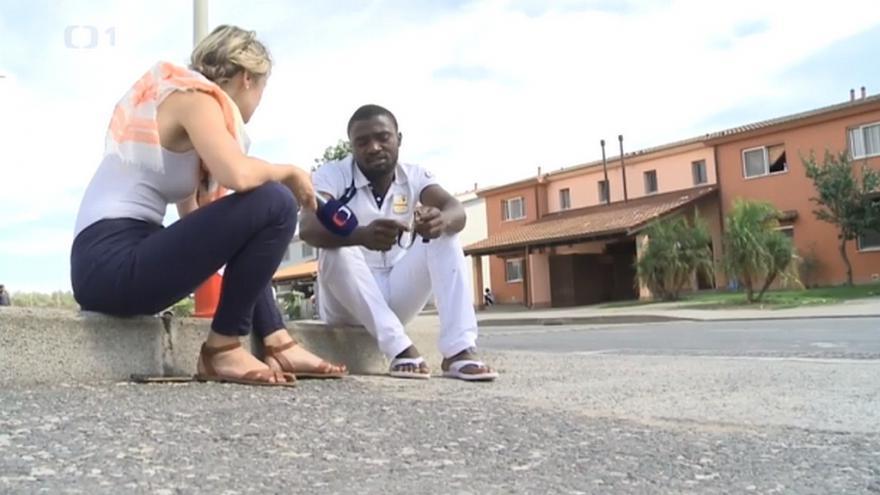 Video Co čeká uprchlíky při čekání na azyl?