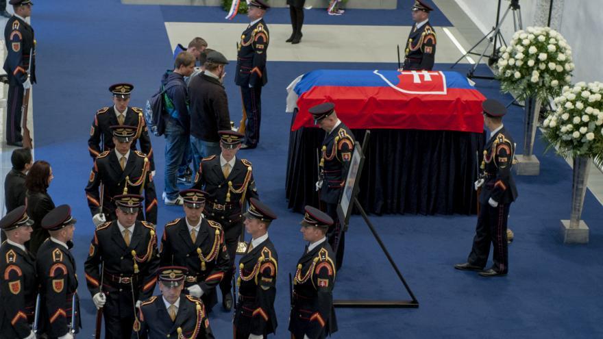 Video Pohřeb slovenského prezidenta Kováče