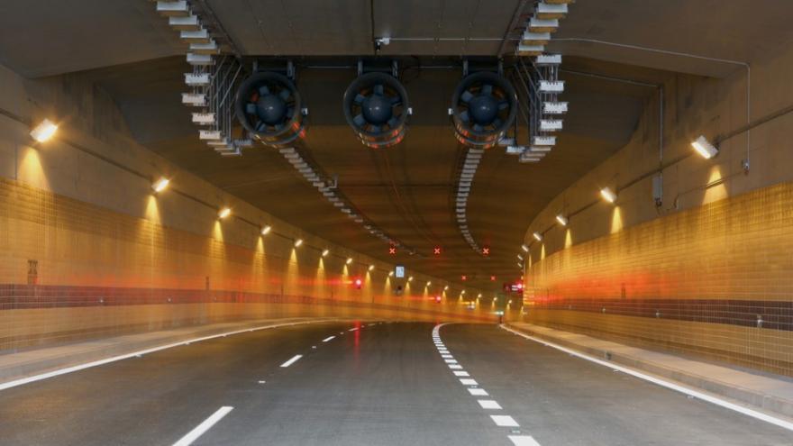 Video V pražských tunelech je nedýchatelno. Smog překračuje limity až patnáctkrát