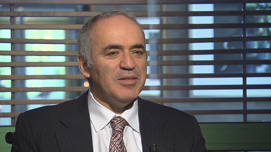 Video Celý rozhovor s Garry Kasparovem