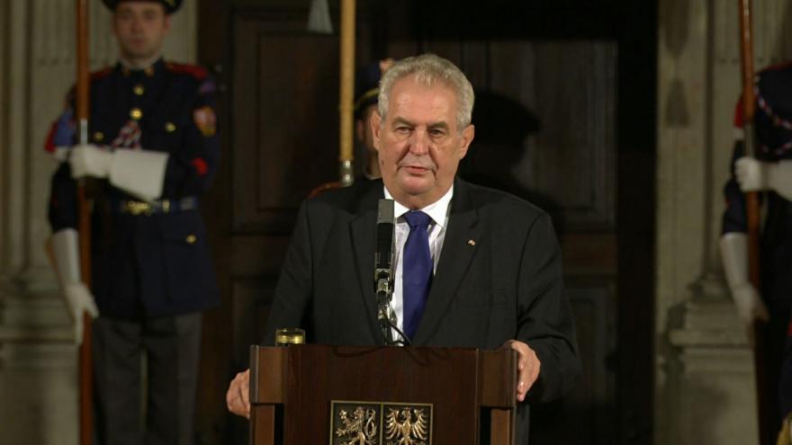 Video Projev Miloše Zemana při předávání státních vyznamenávání