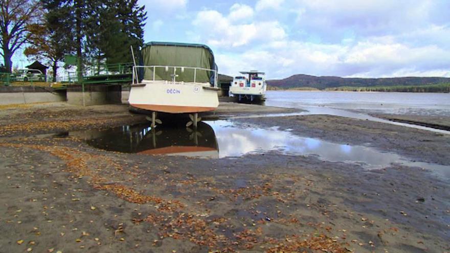 Video Události: Vypouštění Máchova jezera