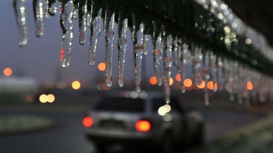 Video Milan Glista ze Zelené vlny ČRo: V noci už pokrývá silnice mrznoucí déšť