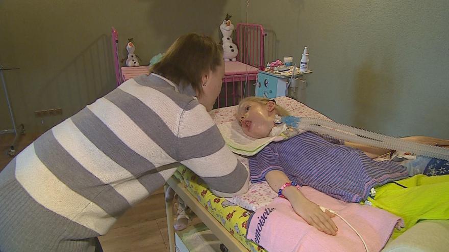 Video Události: Sára se narodila se svalovou atrofií, oslavila dvanácté narozeniny
