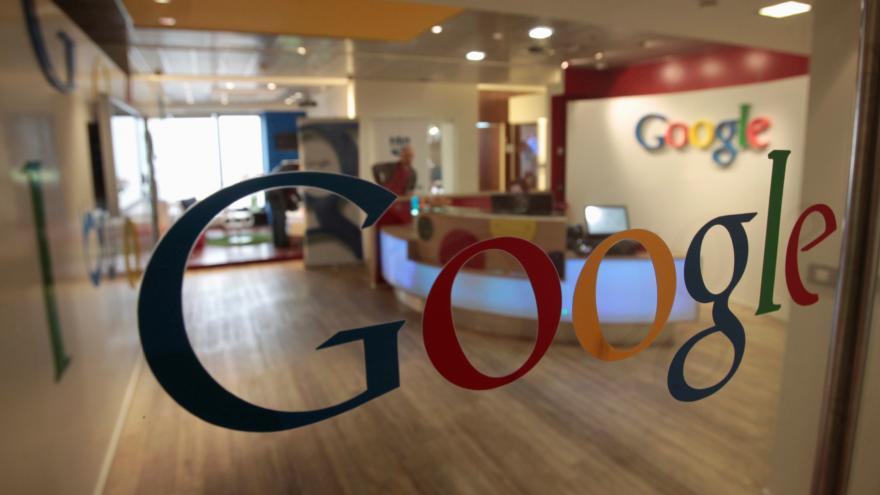 Video Večer bez Googlu. Odborník míní, že šlo o cílený útok