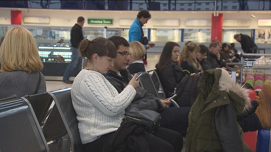 Video V Praze přistálo nouzově letadlo