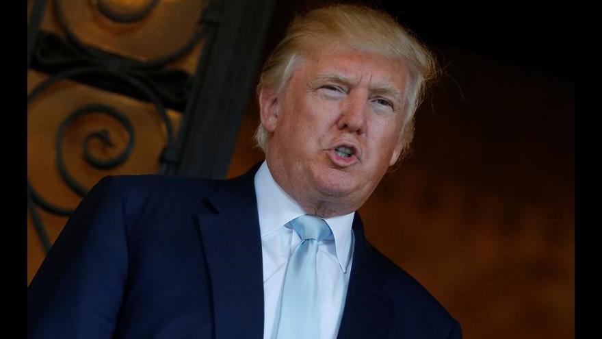 Video Rusové prý mají kompromitující materiál na Trumpa