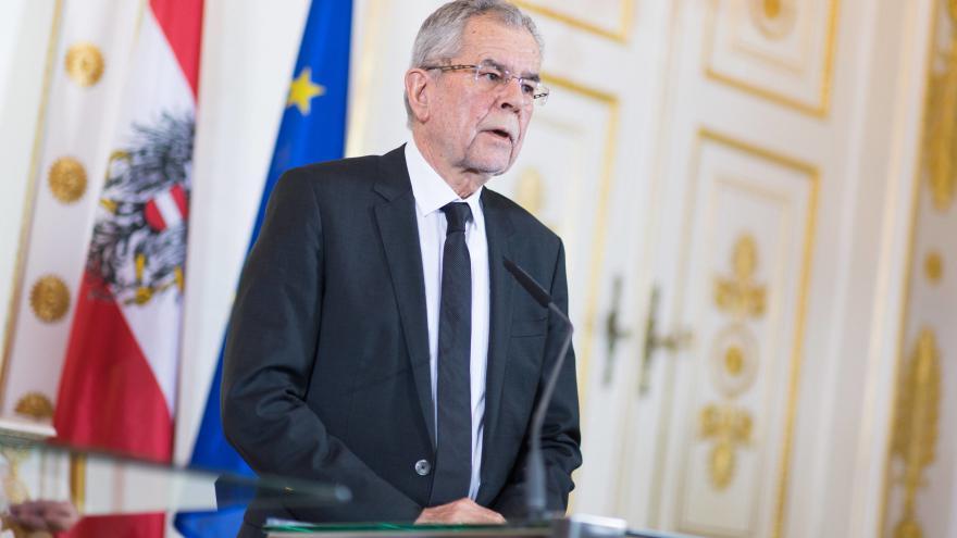 Video Nový rakouský prezident nastupuje