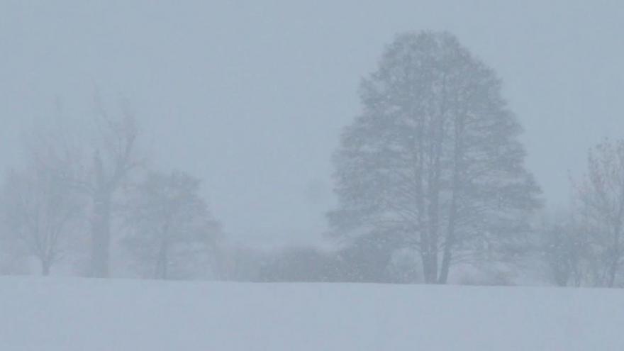 Video iReportér Denis Marc: Silné sněžení v kombinaci s mlhou vytvořilo na Pardubicku tzv. bílou tmu