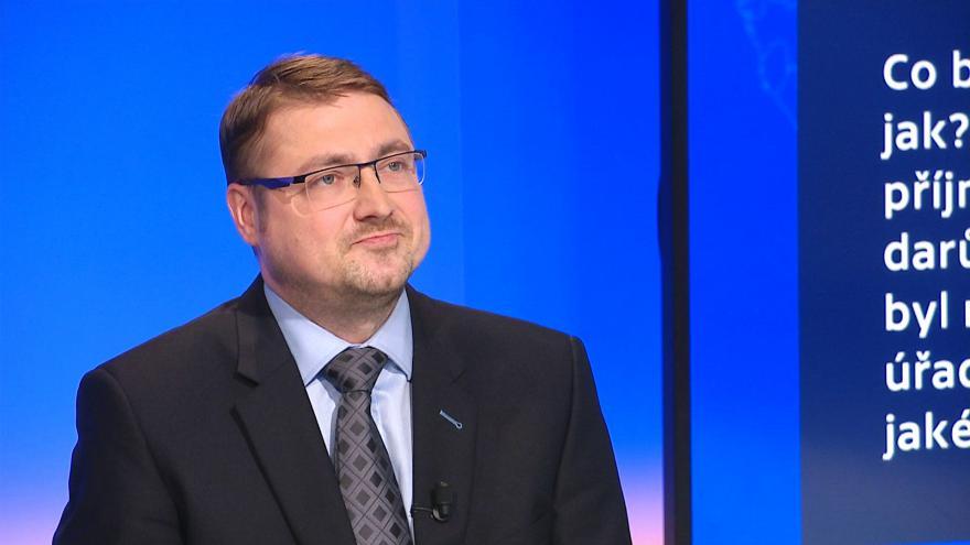 Video 90' ČT24 - Financování politických stran a kampaní