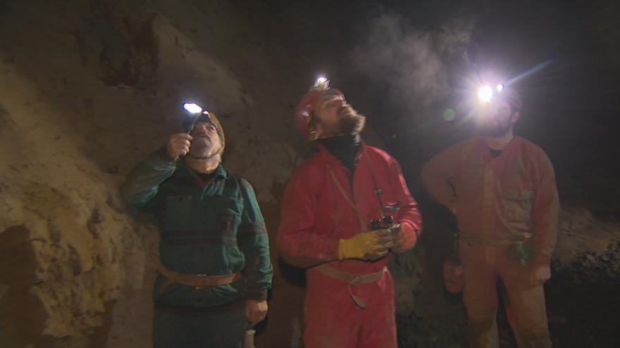 Video Sčítání netopýrů v Ochozské jeskyni
