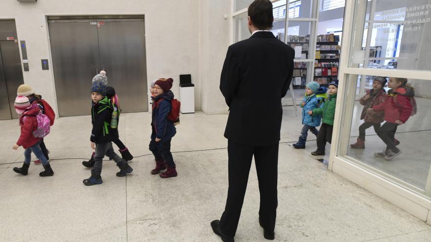 Video Události ČT: Kontrola z ministerstva poběží v Národní galerii měsíc