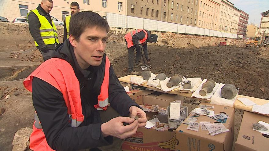 Video Archeolog Josef Čižmář popisuje nálezy