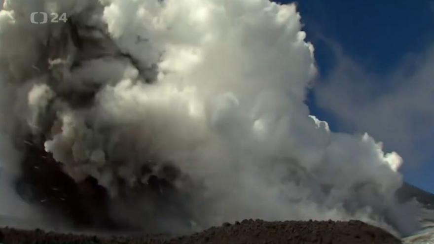 Video Etna vs. BBC