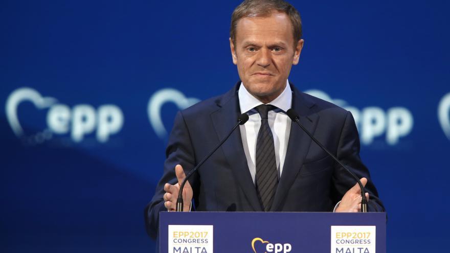 Video ŽIVĚ: Tusk seznamuje novináře s plány jednání