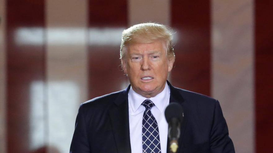 Video ŽIVĚ: Trump ke střelbě v Las Vegas