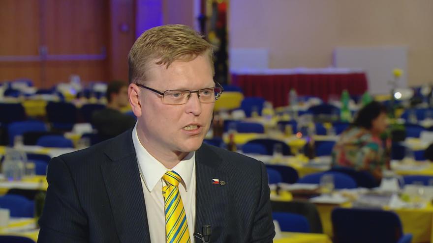 Video Pavel Bělobrádek: Platíme na důchody předchozích generací. Kdo bude platit penze, když tady nebudou děti?