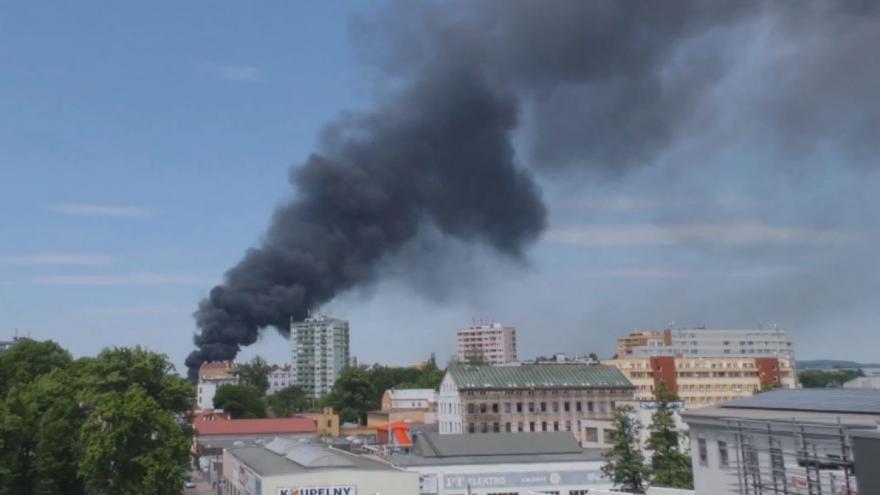 Video iReportér Jakub Šesták: Požár společnosti Severochema ze střechy liberecké iQLANDIE