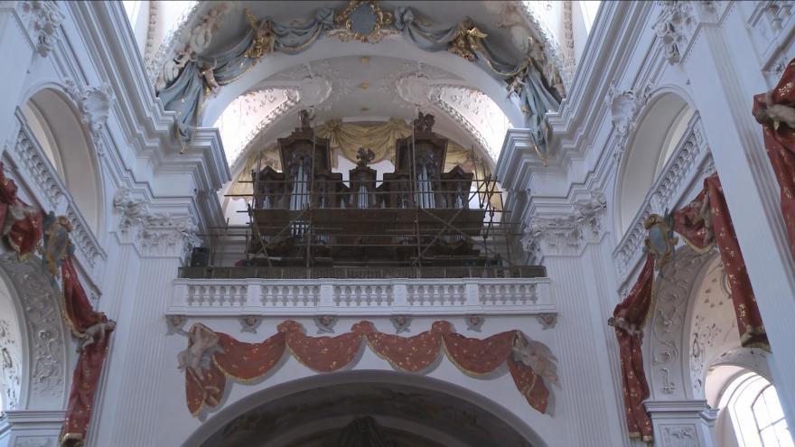 Video Kostelem v Polné opět znějí barokní varhany. Zbývá jen je naladit