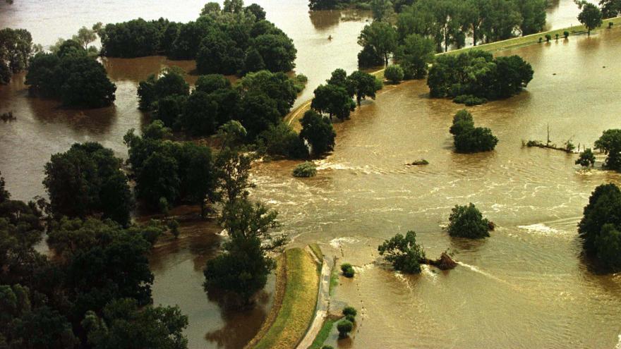 Video Dvacet let od ničivých povodní