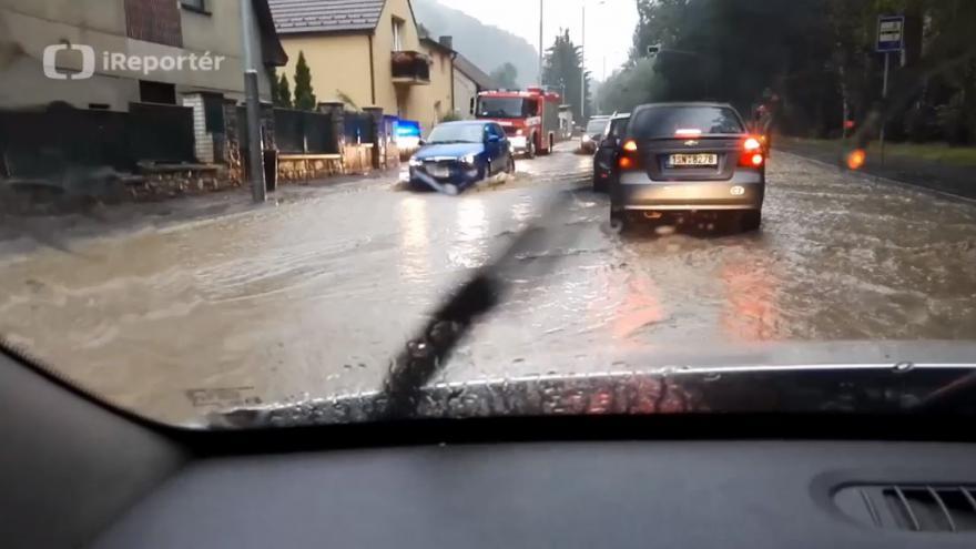 Video iReportér Michal Vojtěch: Záplavy v Praze Radotíně
