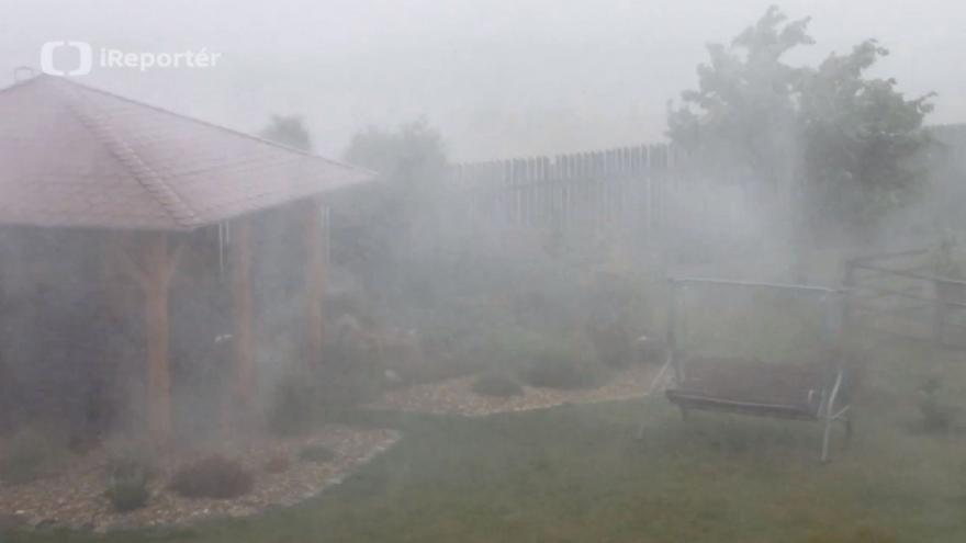 Video Druhou bouřku v Suchém na Blanensku doprovázel silný liják a vítr