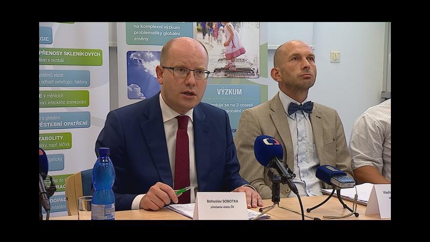 Video Bohuslav Sobotka hovoří na tiskové konferenci o adaptačních opatřeních