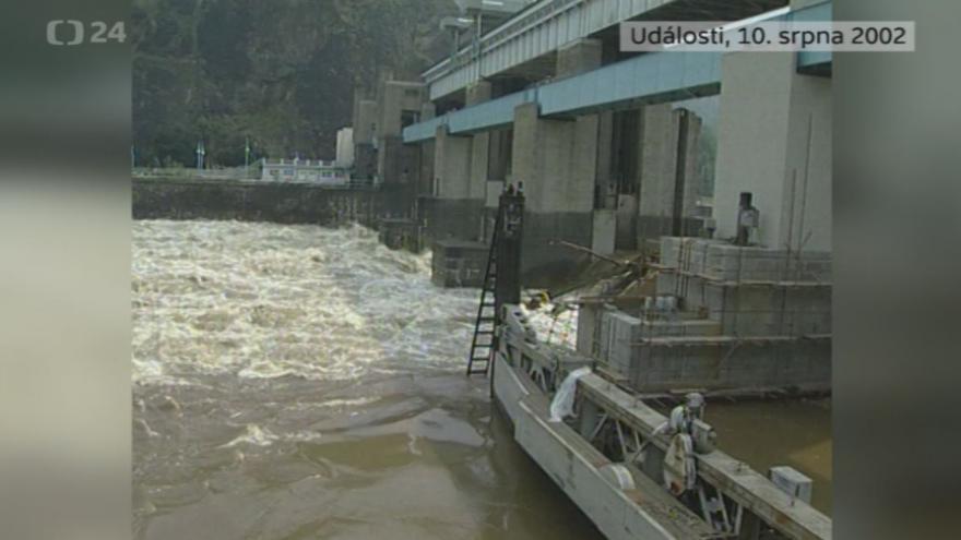 Video Povodně 10. srpna 2002: Události