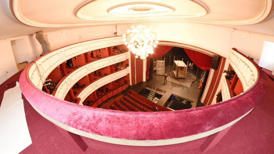 Video Rekonstrukce olomouckého divadla