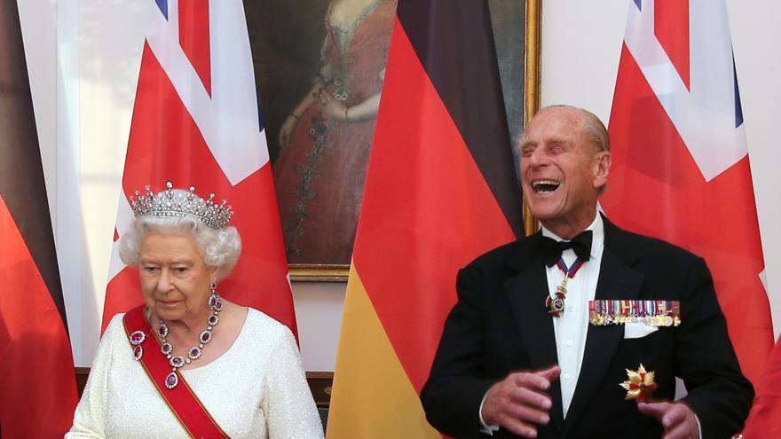 Video ŽIVĚ: Princ Philip na vojenské přehlídce