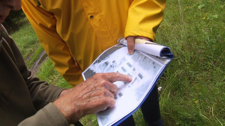 Video Události: Při průzkumu pracovního tábora v Jáchymově pomáhají archeologům i pamětníci
