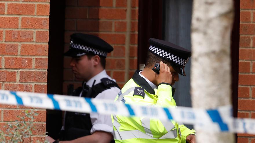 Video Británie snížila stupeň ohrožení útokem